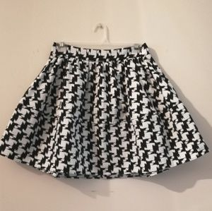 Express hounds tooth flared circle lined skirt
